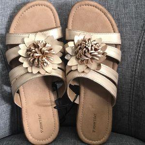 St Johns Bay sandals, NWOT, size 10